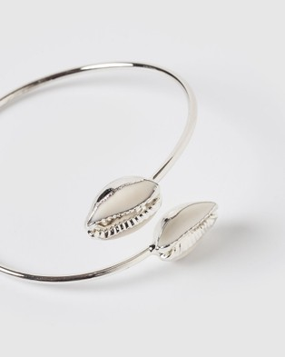 Miz Casa and Co Cowrie Solid Bracelet - Jewellery (Silver White)