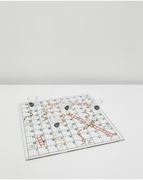 Typo - ​Shots & Ladders Game