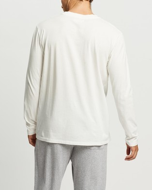 Assembly Label - Reuben Long Sleeve Tee - T-Shirts & Singlets (Antique White) Reuben Long Sleeve Tee