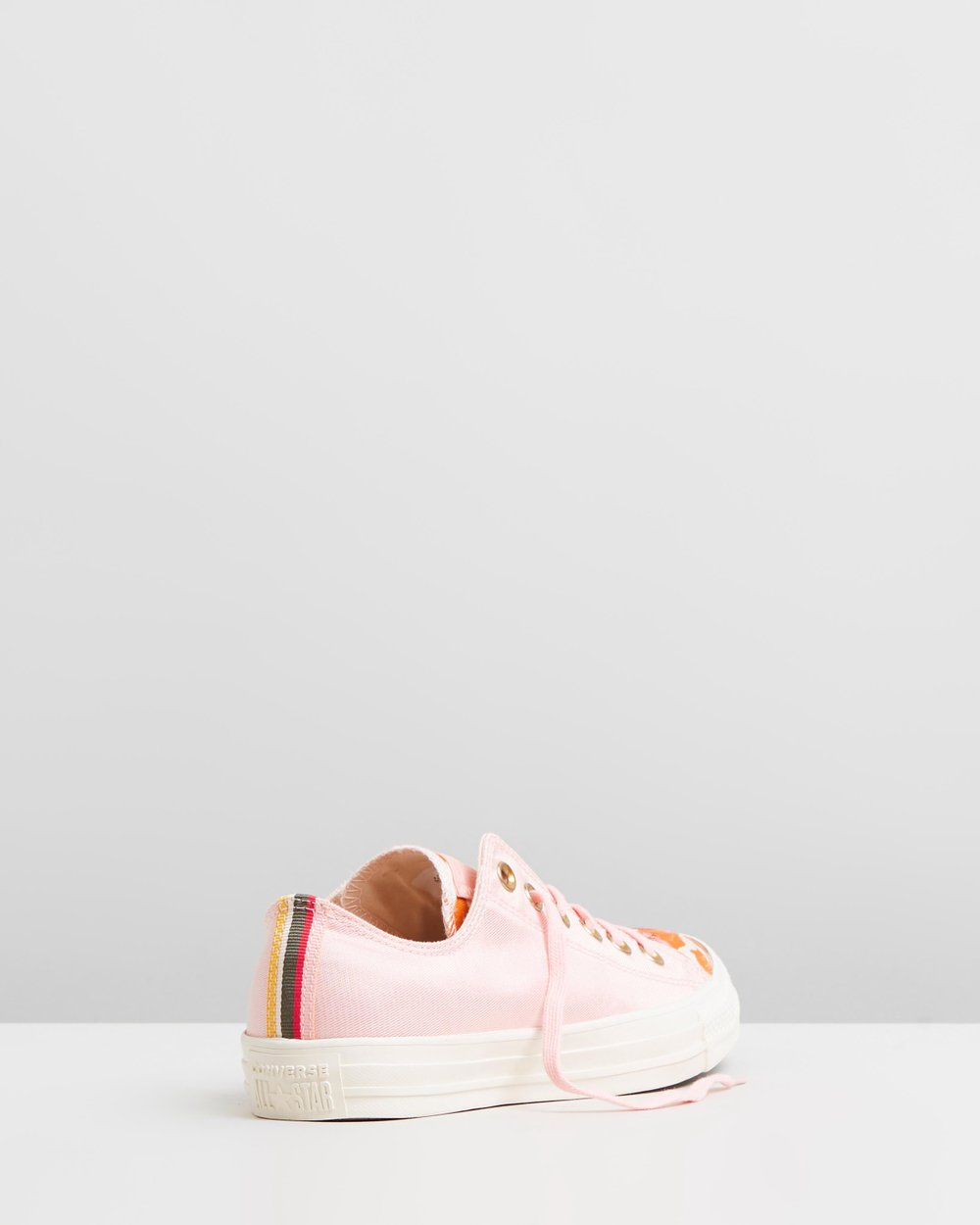 52cf46a1e768 Chuck Taylor All Star Parkway Floral Ox - Women s by Converse Online ...