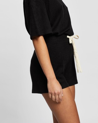 Atmos&Here Willow Relaxed Shorts - Shorts (Black)