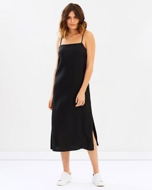 Museum – Staple Dress Black