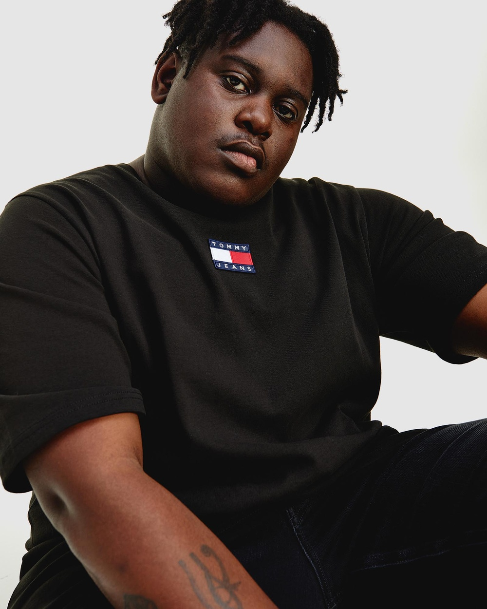 Tommy Jeans Plus Centre Badge Tee T-Shirts & Singlets Black Australia