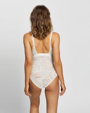 Heidi Klum Intimates Lace Crop Bodysuit - Lingerie (Gardenia)