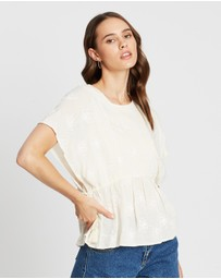 Atmos&Here - Cinch Waist Broderie Top