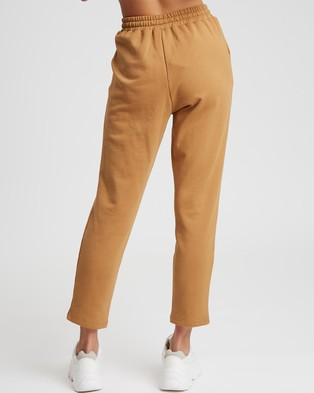 Calli Basic Jogger Pants - Sweatpants (Dark Tan)