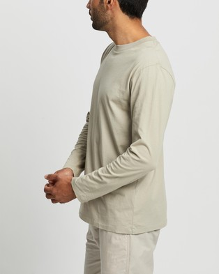 Assembly Label - Reuben Long Sleeve Tee - T-Shirts & Singlets (Washed Khaki) Reuben Long Sleeve Tee