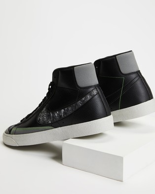 Nike Blazer Mid '77 Vintage   Men's - Lifestyle Sneakers (Black, Smoke Grey & Electric Green)