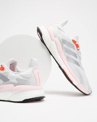 adidas Performance Solar Boost 21   Women's - Performance Shoes (Dash Grey, Metallic Silver & Fresh Candy)