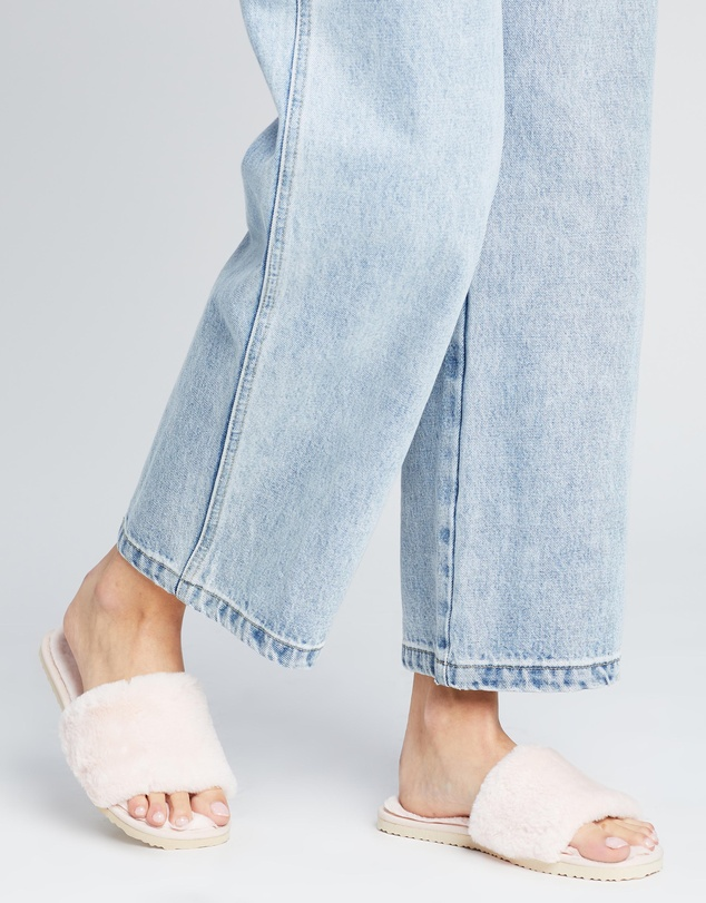 Women Snuggly Slippers