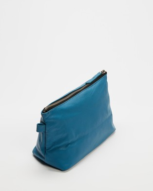 TOPSHOP Leather Make Up Bag - Bags & Tools (Blue)