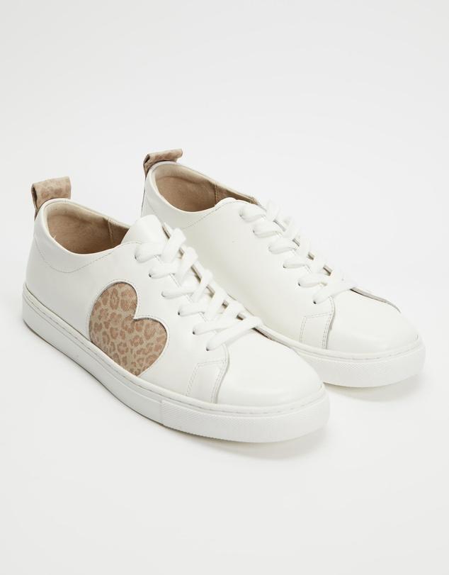 Women Heart Leather Sneakers
