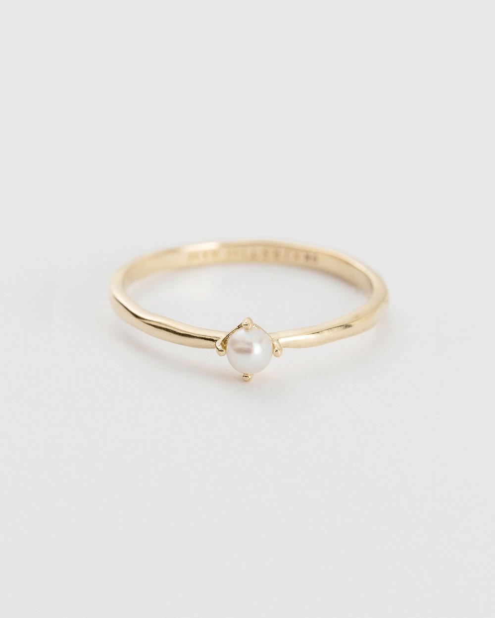 Kirstin Ash Moon Tide Pearl Ring Jewellery Gold