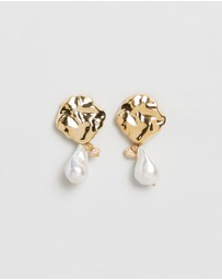 Joanna Laura Constantine - Wave Hammered Pearl Mini Earrings
