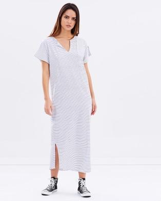 Lilya – Flavia Maxi Dress – Dresses (White & Navy)