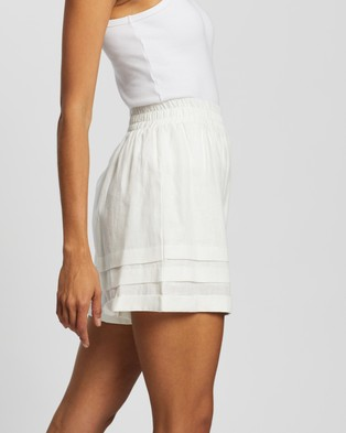 AERE Pleat Detail Pull On Shorts - High-Waisted (Ivory)