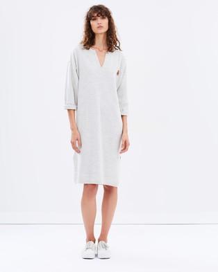 Maison Scotch – Knitted Cocoon Dress – Dresses (Stone Melange)
