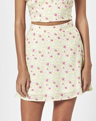 Charlie Holiday Willow Skirt - Skirts (Festive Floral Light)