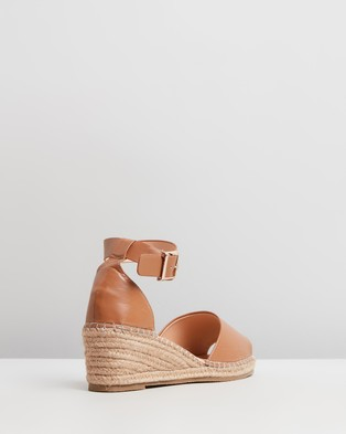 Human Premium Helene Leather Wedge Heels - Wedges (Tan Leather)
