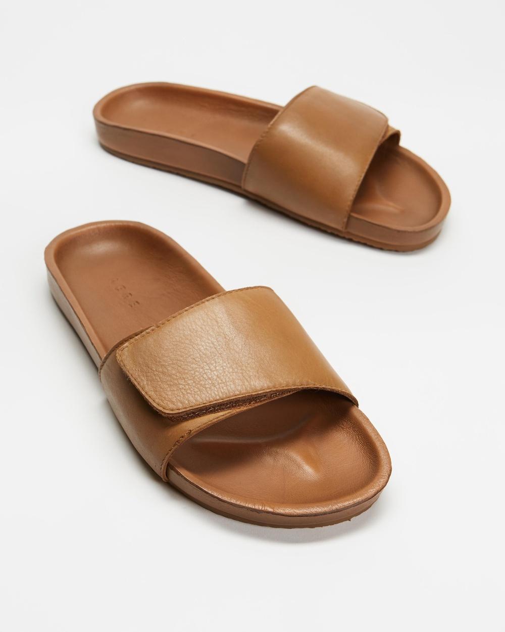 AERE Tenere Leather Slides Sandals Tan
