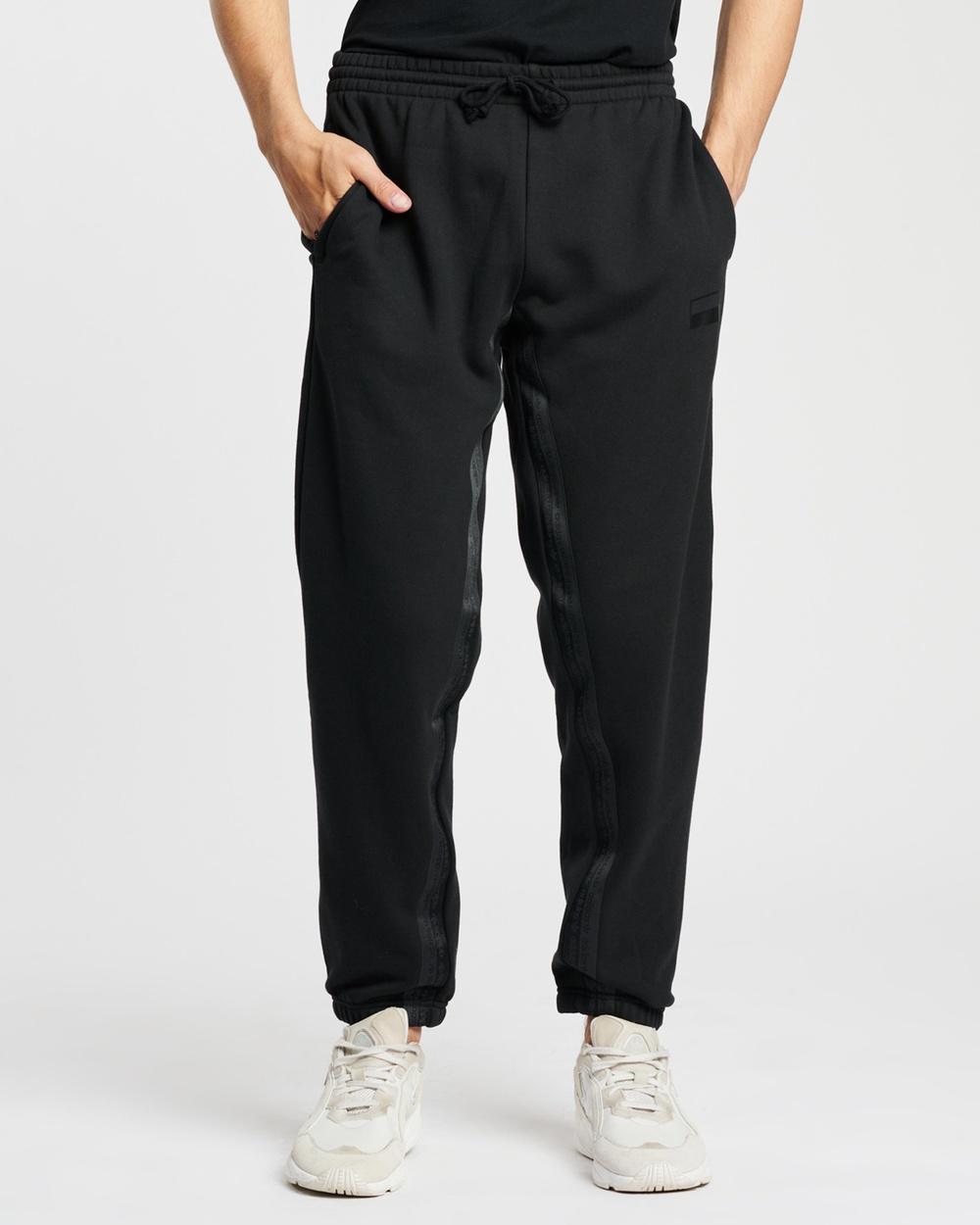 adidas Originals R.Y.V. Cuffed Sweat Pants Track Black