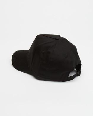 C&M CAMILLA AND MARC ICONIC EXCLUSIVE   Denver Cap - Headwear (Black & Black Logo)