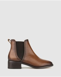 Betts - Ziggy Leather Chelsea Boots