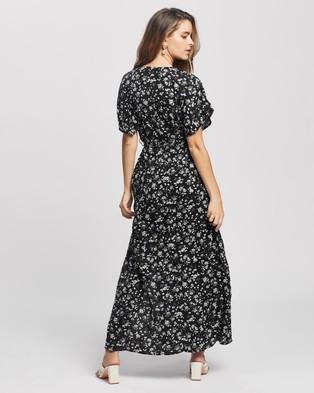 Missguided Petite Petite Floral Wrap Maxi Dress - Dresses (Black)