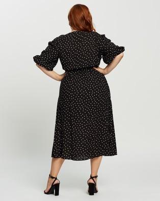 Atmos&Here Curvy Jaelyn Midi Dress - Printed Dresses (Black Base & White Spot)