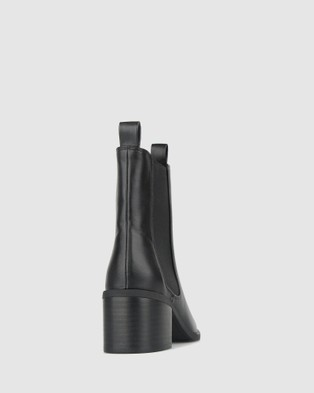 Betts Luxe Block Heeled Chelsea Boots - Boots (Black)