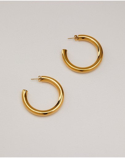 Alix Yang Kennedy Hoops Gold