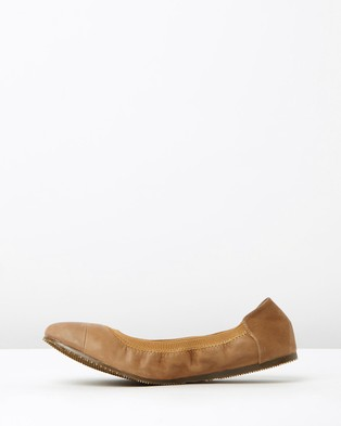 Walnut Melbourne Ava Leather Ballet Flats - Ballet Flats (Tan)