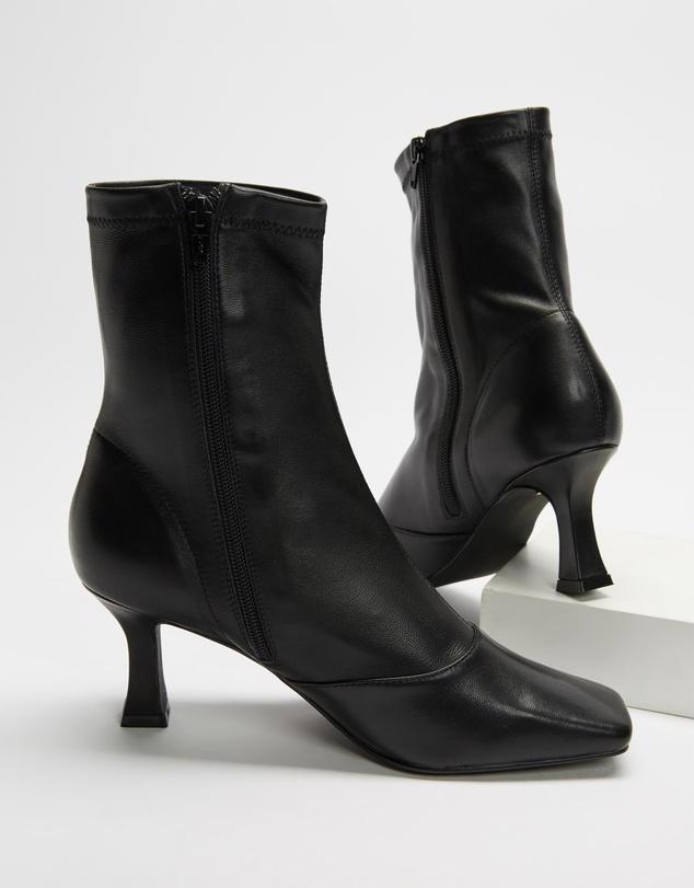 Women Aria Boots