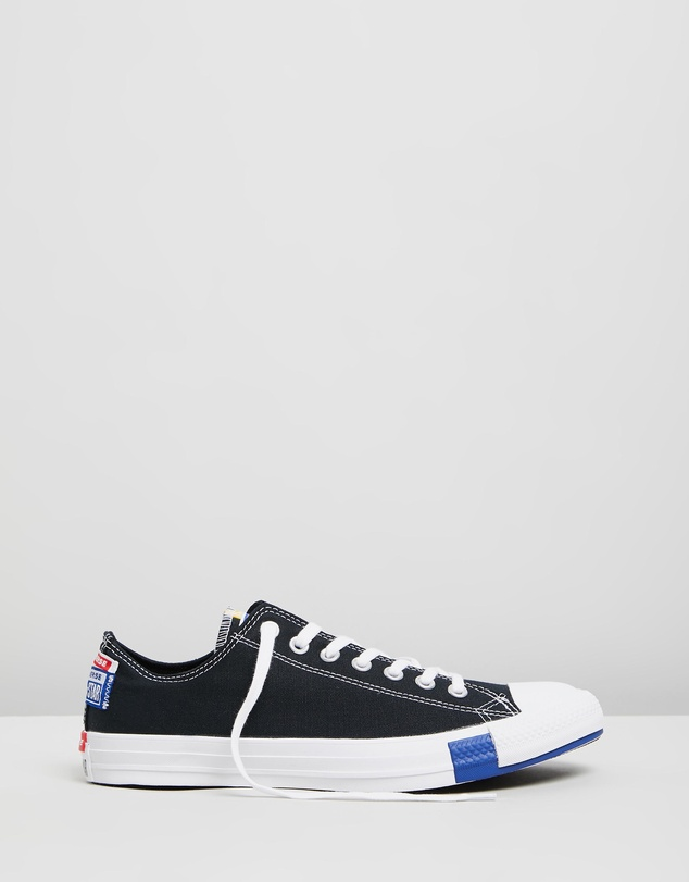 Converse - Chuck Taylor All Star Stacked Logo Low-Top