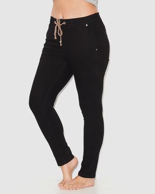17 Sundays Anti Fit Jeans - High-Waisted (Black)