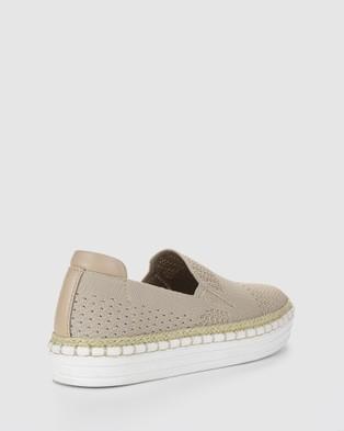 Verali Queen - Slip-On Sneakers (Neutrals)