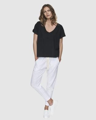 Cloth & Co. Organic Cotton Deep V Tee - Short Sleeve T-Shirts (Black)