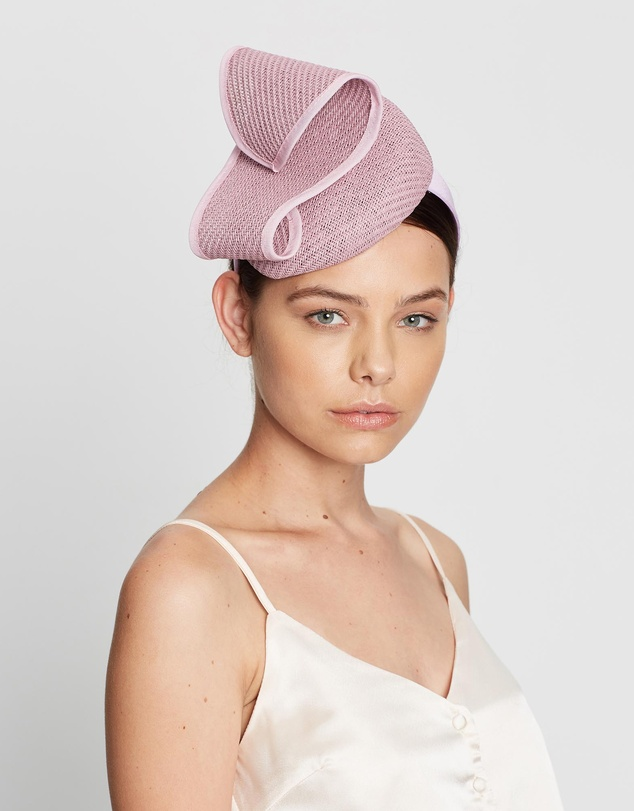 Max Alexander - Pillbox with Wave Racing Fascinator