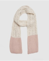 Kate & Confusion - Cable Knit Scarf