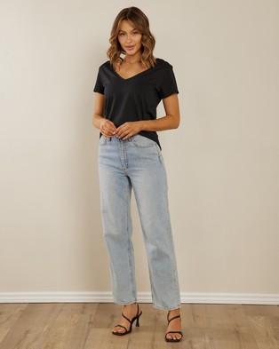 Atmos&Here Organic Cotton V Neck Tee Clothing Black V-Neck