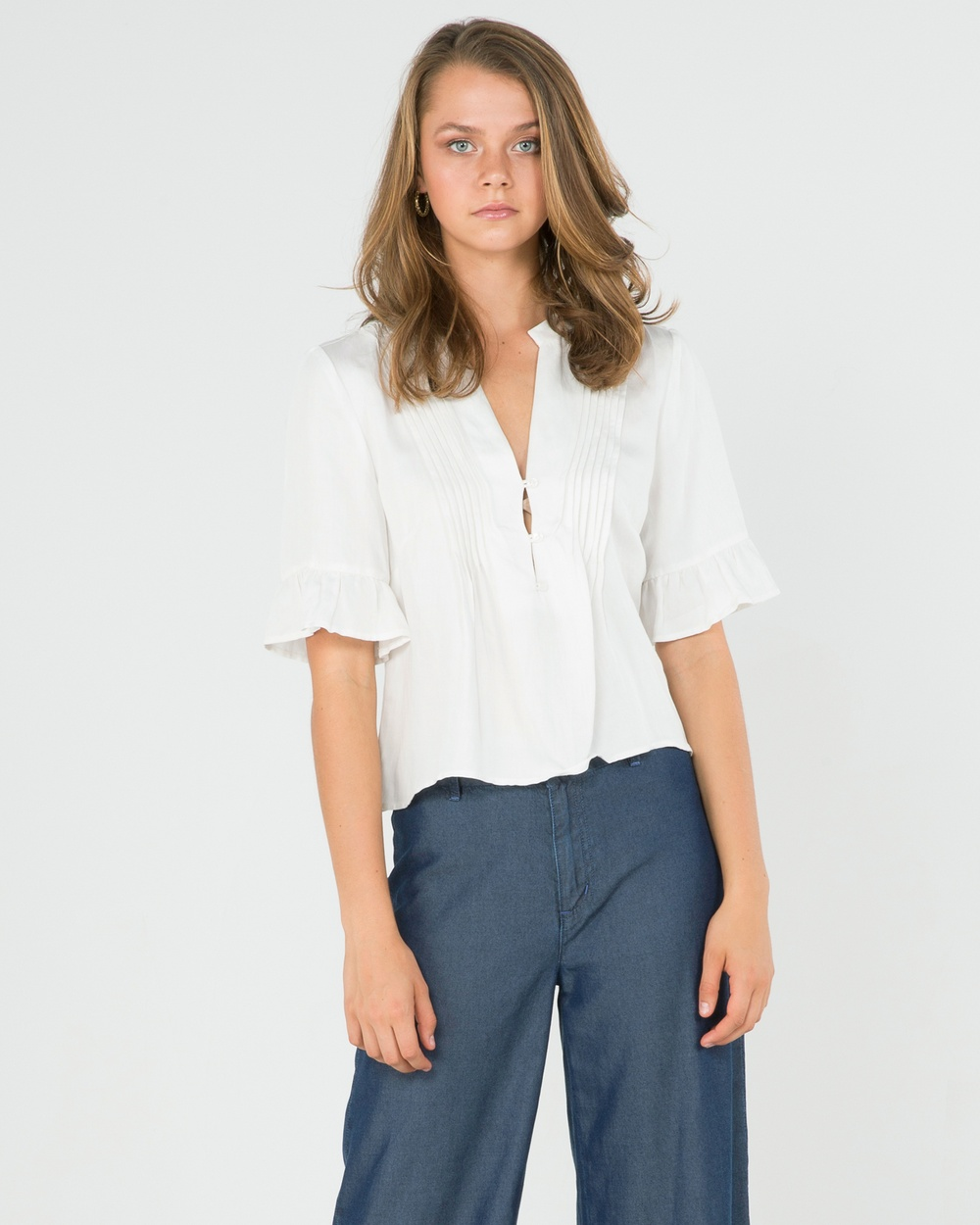 Amelius Masa Blouse Cropped tops White Masa Blouse