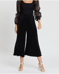 Boohoo - Pleated Flared Hem Culottes