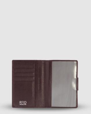 Cobb & Co Ivan RFID Passport Leather Holder - Wallets (Burgandy)