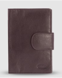 Cobb & Co - Ivan RFID Passport Leather Holder