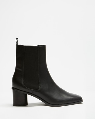 AERE - Square Toe Leather Chelsea Boots Shoes (Black Leather)