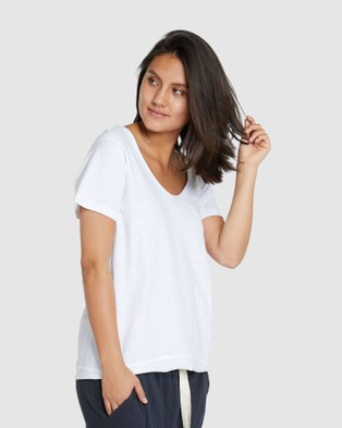 Cloth & Co. Organic Cotton Scoop V Tee - Tops (White)