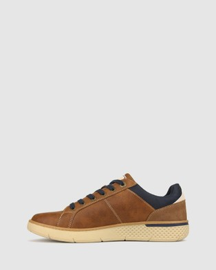 Betts Trent Lifestyle Sneaker - Lifestyle Sneakers (Tan)