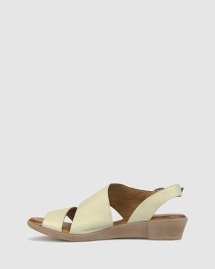 Airflex Bingle Leather Wedge Sandals - Sandals (Mint)