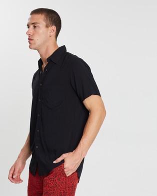 The People Vs. Stevie Shirt - Casual shirts (Black)