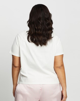 Atmos&Here Curvy Pyjamas All Day Tee Sleepwear White Pink Text
